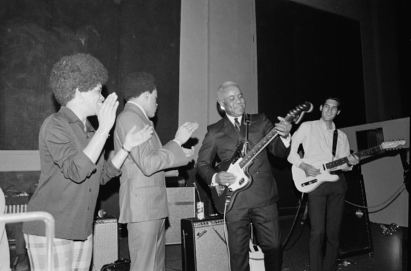 ギタリスト「The Staple Singers」:写真・画像(6)[壁紙.com]