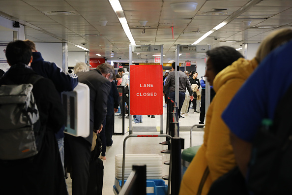 Security「Flights Into New York's Laguardia Halted Over Air Traffic Control Staffing Issues Related To Gov't Shutdown」:写真・画像(9)[壁紙.com]