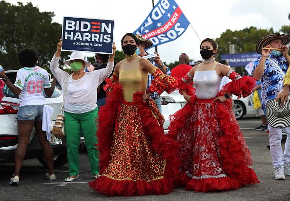 Florida International University「Democratic VP Candidate Kamala Harris Campaigns In South Florida」:写真・画像(14)[壁紙.com]