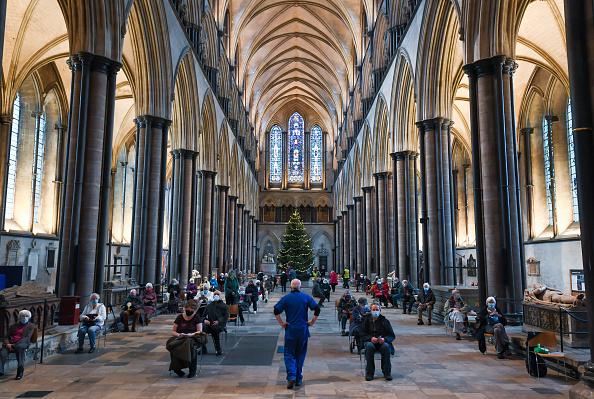 Salisbury - England「Salisbury Cathedral Used As Covid-19 Vaccination Centre」:写真・画像(0)[壁紙.com]