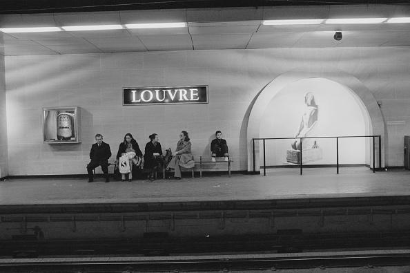 International Landmark「Paris Métro」:写真・画像(2)[壁紙.com]