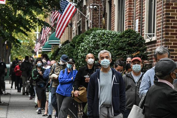 Infectious Disease「New York Begins Early Voting」:写真・画像(12)[壁紙.com]