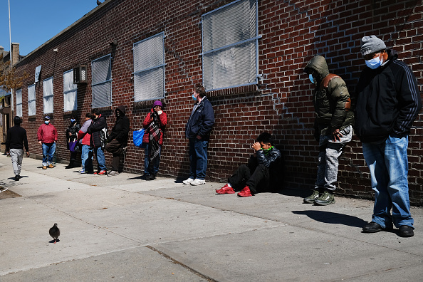 Poverty「Brooklyn Non-Profit Food Banks Offers Food To Those In Need During Coronavirus Pandemic」:写真・画像(0)[壁紙.com]