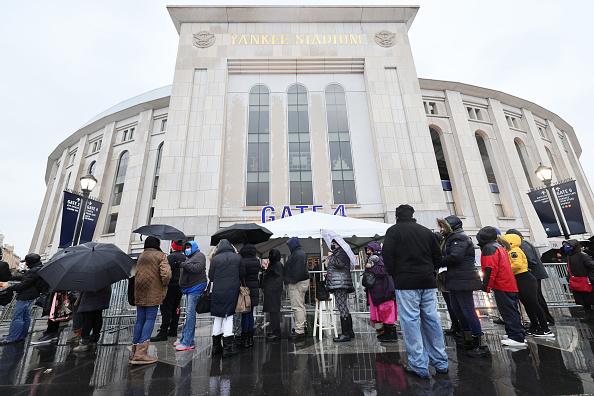 Stadium「New York's Yankee Stadium Hosts Major Coronavirus Vaccination Site」:写真・画像(10)[壁紙.com]