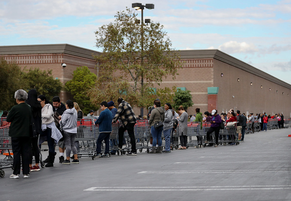 Costco Wholesale Corporation「Shoppers Stock Up On Food And Supplies As Coronavirus Cases Spread Throughout Country」:写真・画像(19)[壁紙.com]