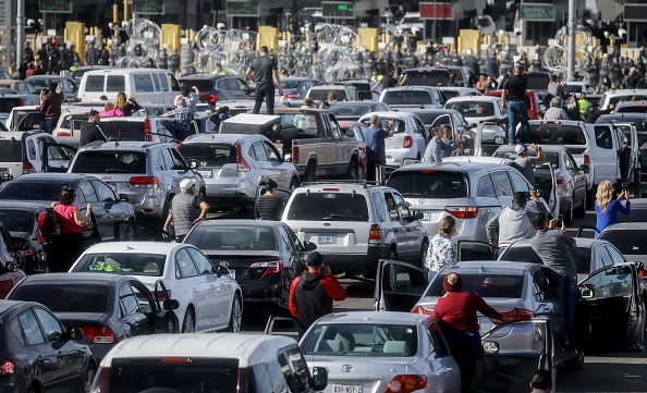 Baja California Peninsula「Immigrant Caravan Members Gather At U.S.-Mexico Border」:写真・画像(12)[壁紙.com]