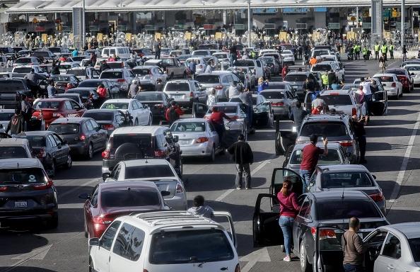 Baja California Peninsula「Immigrant Caravan Members Gather At U.S.-Mexico Border」:写真・画像(13)[壁紙.com]