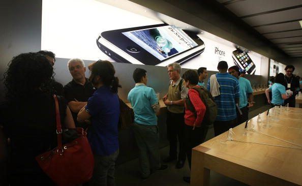 Big Tech「New iPhone 3G Hits Stores Across U.S」:写真・画像(17)[壁紙.com]