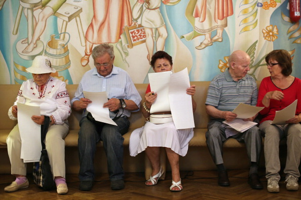 Dan Kitwood「Ukrainian Voters Head To The Polls As Presidential Elections Are Held」:写真・画像(3)[壁紙.com]