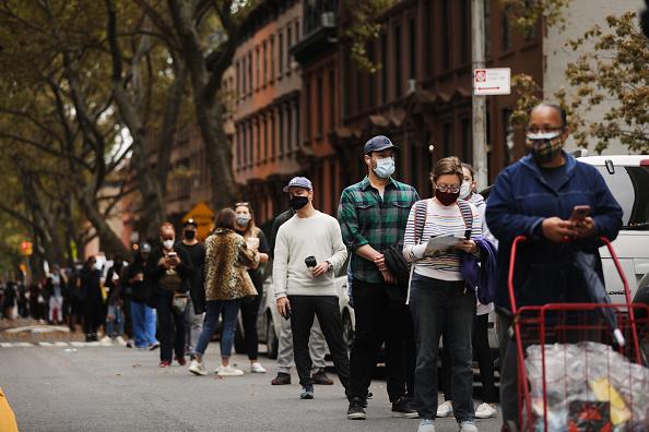 Brooklyn - New York「New York Begins Early Voting」:写真・画像(5)[壁紙.com]