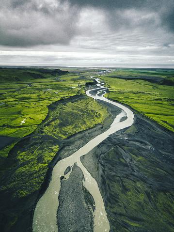 Contrasts「river in iceland」:スマホ壁紙(16)
