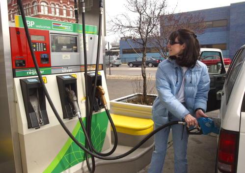 Consumerism「Gas Prices Surge Over Past Four Weeks」:写真・画像(8)[壁紙.com]