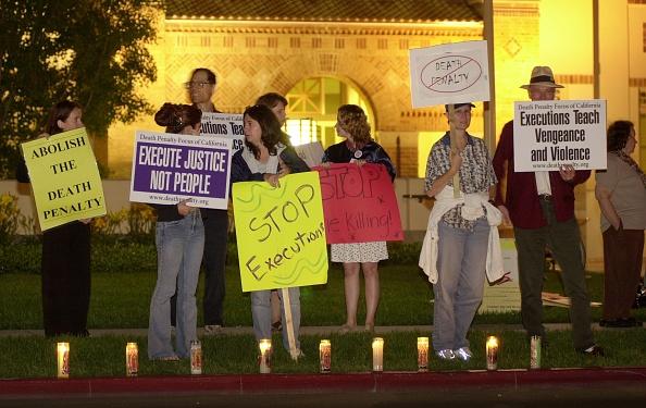 Lighting Equipment「Anti Death Penalty Vigil in California」:写真・画像(1)[壁紙.com]