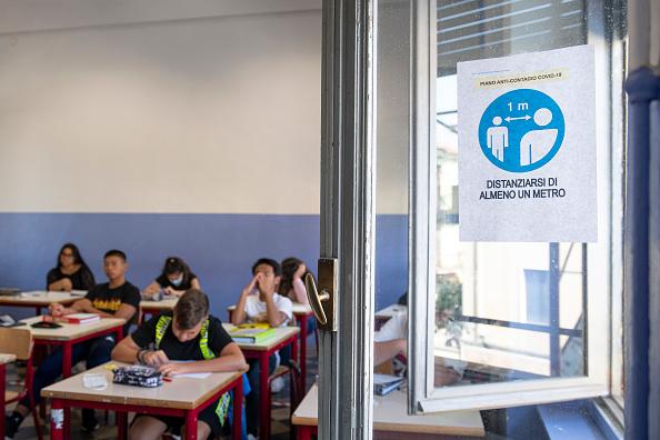 Italy「Italy: Back To School Amid Coronavirus Pandemic」:写真・画像(15)[壁紙.com]