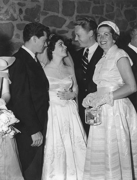 Wedding Reception「Liz Taylor Weds」:写真・画像(14)[壁紙.com]