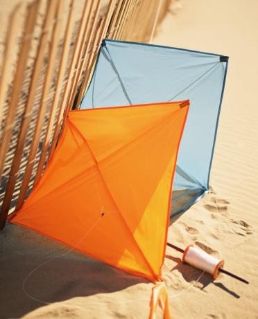 Kite - Toy「Kites on sand」:スマホ壁紙(8)