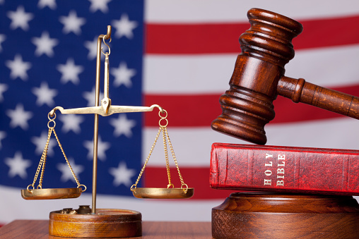Politics「Bible, gavel and scales of justice on american flag background」:スマホ壁紙(3)