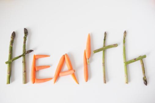 Carrot「Word 'health' made out of vegetables, studio shot」:スマホ壁紙(4)