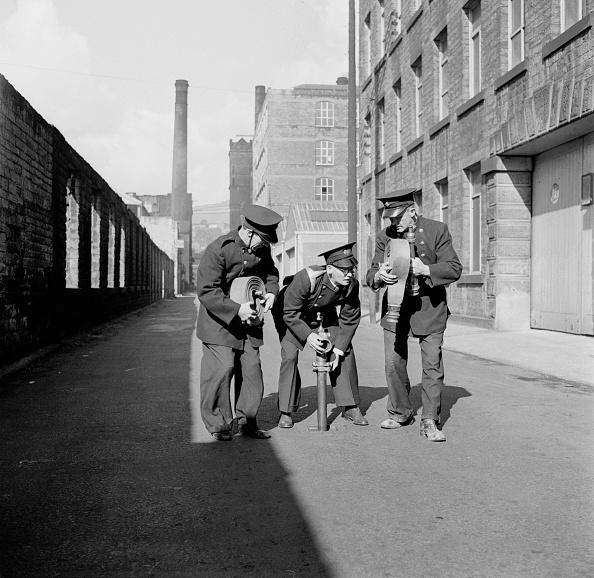 Harry Kerr「Yorkshire Firemen」:写真・画像(0)[壁紙.com]