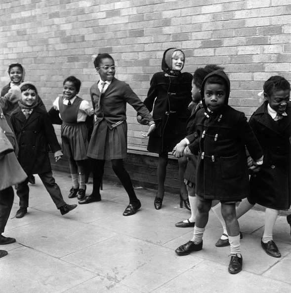 Black History in the UK「Playground Friends」:写真・画像(2)[壁紙.com]