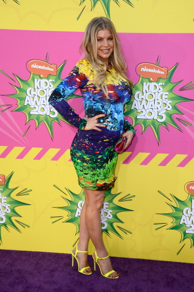 Multi Colored Purse「Nickelodeon's 26th Annual Kids' Choice Awards - Arrivals」:写真・画像(12)[壁紙.com]