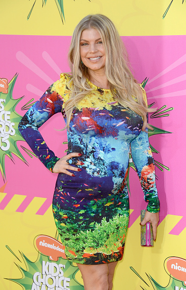 Multi Colored Purse「Nickelodeon's 26th Annual Kids' Choice Awards - Arrivals」:写真・画像(9)[壁紙.com]