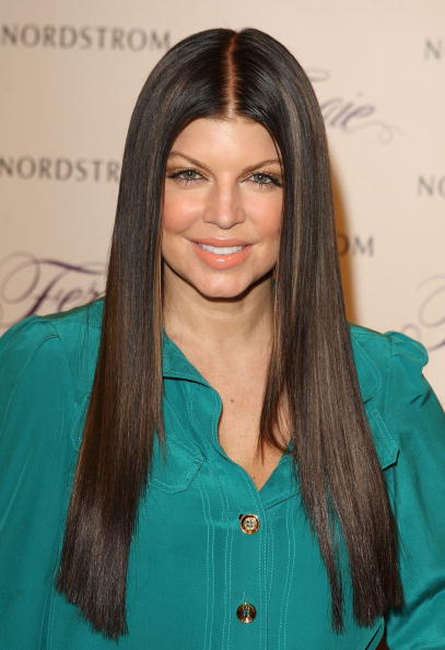 Material「Fergie Promotes Shoe Collection At Nordstrom At The Grove」:写真・画像(3)[壁紙.com]