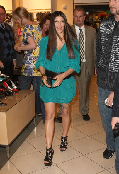 Material「Fergie Promotes Shoe Collection At Nordstrom At The Grove」:写真・画像(0)[壁紙.com]