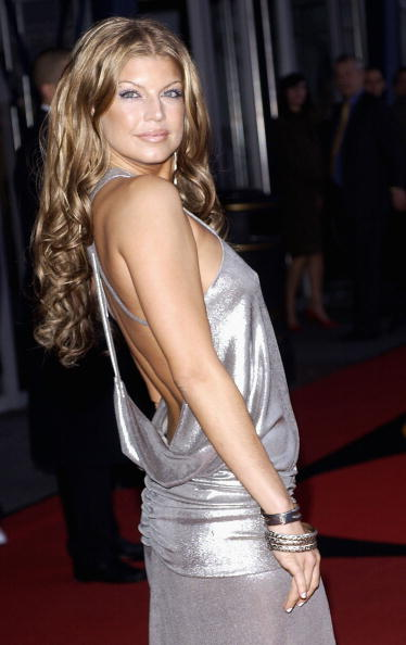 Singer「Brit Awards 2004 Arrivals」:写真・画像(7)[壁紙.com]