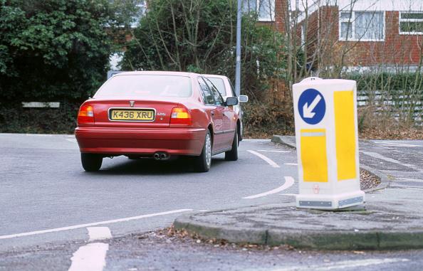 Bollard「Keep left bollard.Road junction」:写真・画像(1)[壁紙.com]