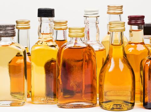 リキュール「アルコールボトル」:スマホ壁紙(11)