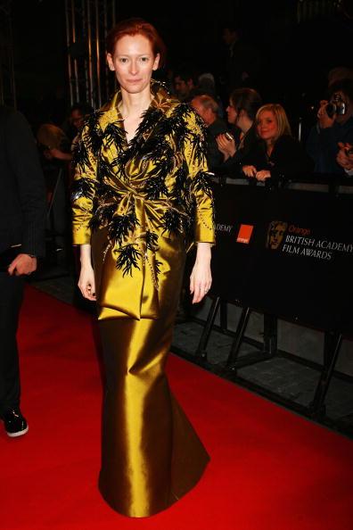 Train - Clothing Embellishment「The Orange British Academy Film Awards 2008 - Roaming Arrivals」:写真・画像(14)[壁紙.com]