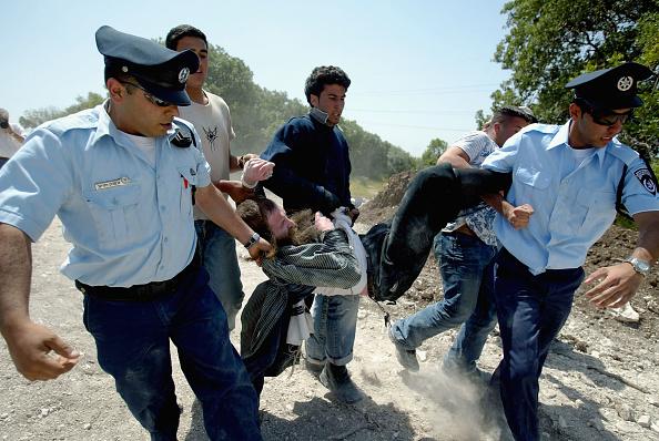 Medium Group Of People「Jewish Protest Over New Israeli Highway」:写真・画像(7)[壁紙.com]