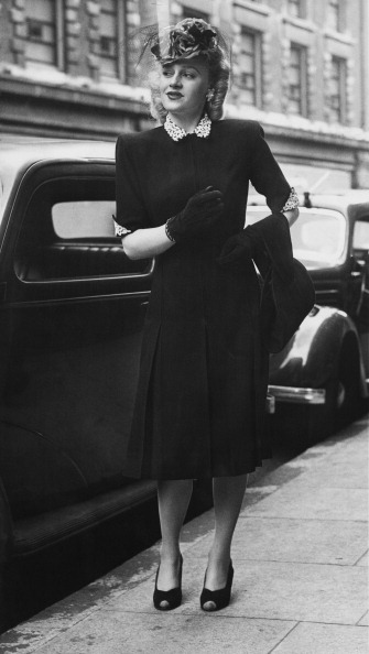 1940-1949「Utility Dress」:写真・画像(10)[壁紙.com]