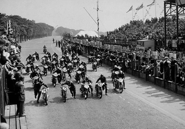オートバイ競技「TT Race」:写真・画像(14)[壁紙.com]