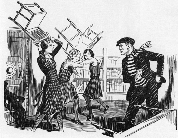 Self-Defense「Ladies attacking intruder with chairs -」:写真・画像(14)[壁紙.com]
