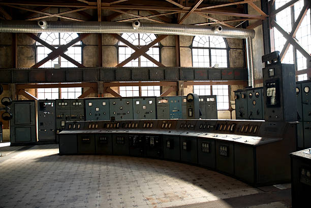 Old Control Room:スマホ壁紙(壁紙.com)
