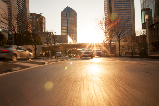 City Life「Road in city with car and sunlight」:スマホ壁紙(8)