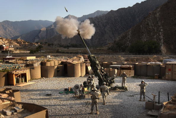 Bestof「U.S. Artilery Unit Battles Taliban In Kunar Province」:写真・画像(1)[壁紙.com]
