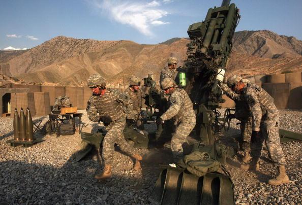 Taliban「U.S. Artilery Unit Battles Taliban In Kunar Province」:写真・画像(13)[壁紙.com]