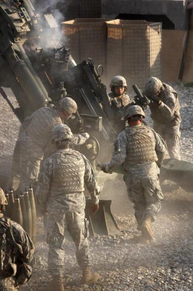 Taliban「U.S. Artilery Unit Battles Taliban In Kunar Province」:写真・画像(12)[壁紙.com]