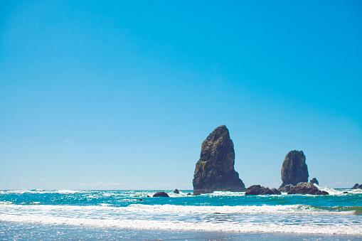 Cannon Beach「Oregon coastline at Cannon Beach.」:スマホ壁紙(2)