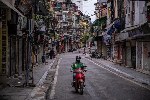 Hanoi「Vietnam Imposes Partial Shutdown To Contain Spread Of The Coronavirus」:写真・画像(5)[壁紙.com]