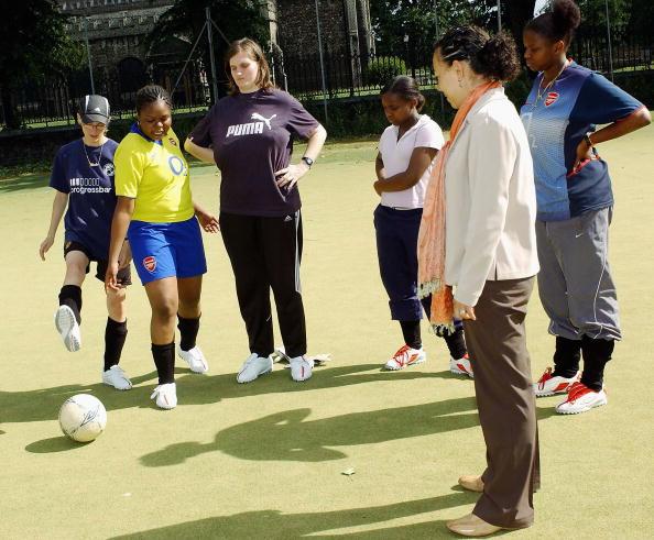Women's Soccer「Oona King & Hope Powell Photocall」:写真・画像(7)[壁紙.com]