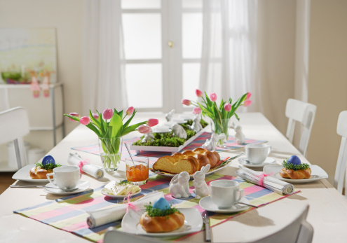 Easter Bunny「Dining table with easter breakfast setting」:スマホ壁紙(13)