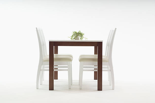 Dining table and chairs:スマホ壁紙(壁紙.com)
