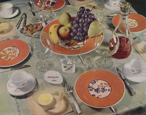 Stoneware「Dessert - In This Table Arrangement The Fruit Service Is Royal Copenhagen Faience」:写真・画像(11)[壁紙.com]