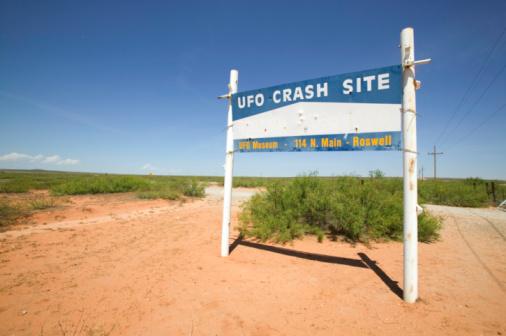 Pole「Roswell UFO Museum Sign」:スマホ壁紙(5)