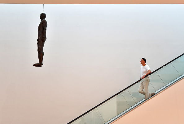 Antony Gormley「Antony Gormley Attends the Installation Of His Sculpture Object」:写真・画像(12)[壁紙.com]