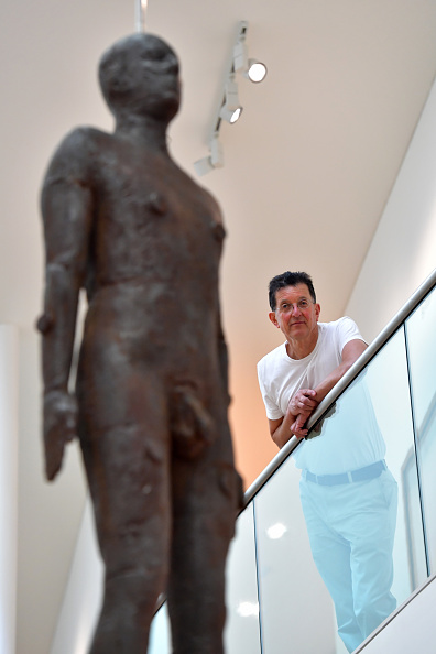 Antony Gormley「Antony Gormley Attends the Installation Of His Sculpture Object」:写真・画像(4)[壁紙.com]